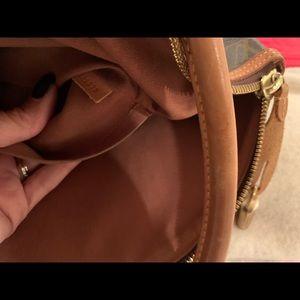 Louis Vuitton Bags - An authentic Louis Vuitton handbag